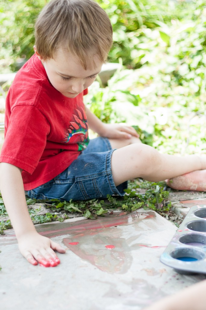 Tried It Tuesday: Homemade Sidewalk Paint - Finger Painting