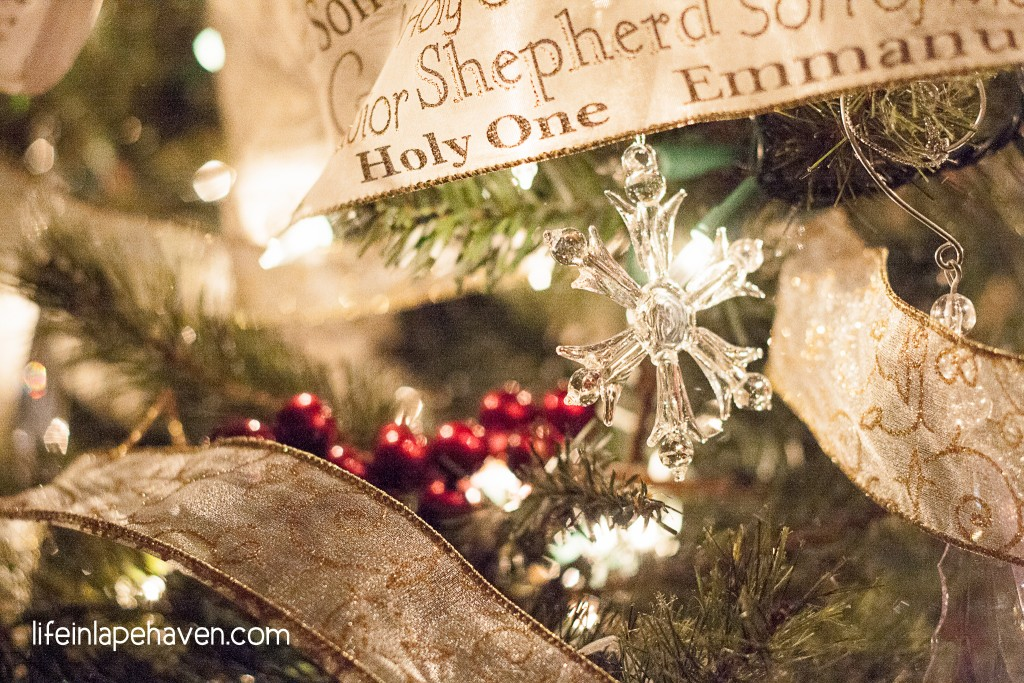 Life in Lape Haven: Nobody Is Grading Your Holiday. Keeping Jesus as the focus of Christmas by giving up the to-do list.