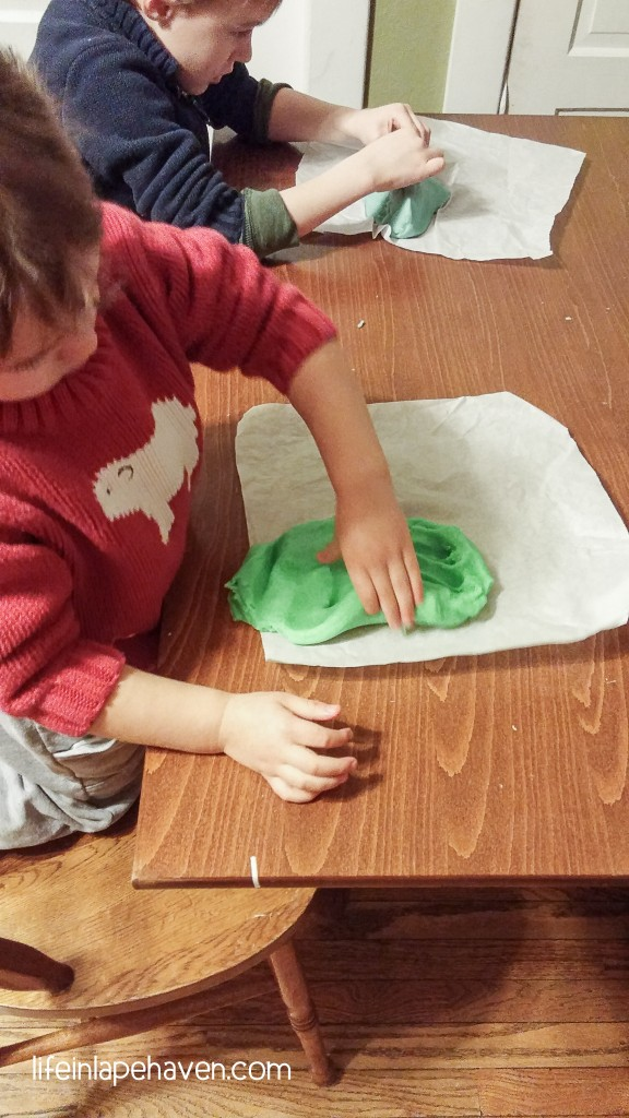 Life in Lape Haven: Tried It Tuesday - Homemade Play-dough. This quick, easy, and super soft and squishy playdough recipe is great for a fun indoor activity that you can put together with ingredients already in your kitchen.